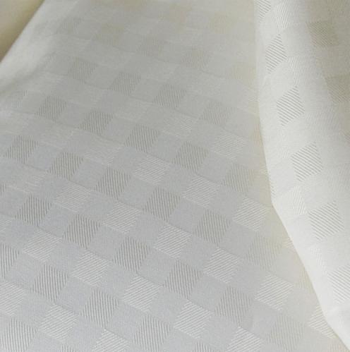 Karo Bettwäsche gewebt in der Farbe weiss